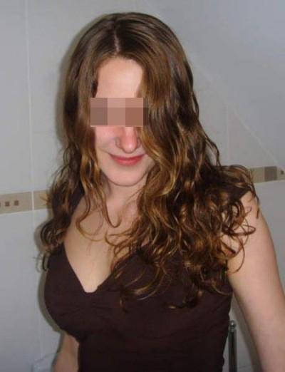 Femme très sexy qui désire des pines de plus de 18cm à lécher à Longueuil