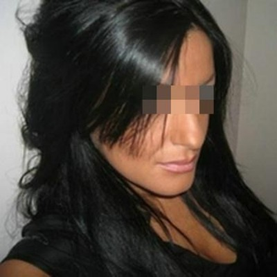 Jolie fille libertine veut de gros sexes à gober à Terrebonne